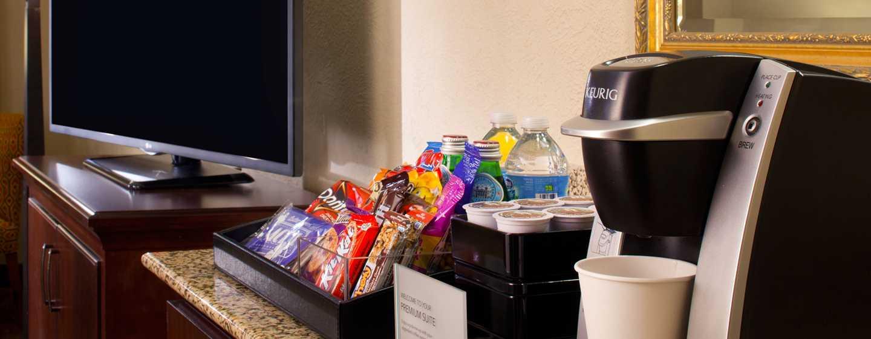 Embassy Suites Philadelphia – Airport Hotel, Pennsylvania, USA– Kaffee und Snacks in den Premium Suiten