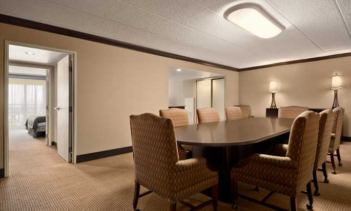 Embassy Suites Philadelphia – Airport Hotel, Pennsylvania, USA – Executive Suite