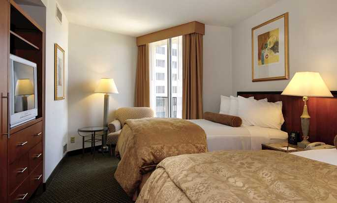Embassy Suites Philadelphia – Center City Hotel, Pennsylvania, USA – Gästezimmer mit zwei Doppelbetten