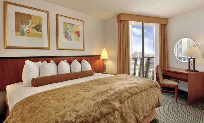 Embassy Suites Philadelphia – Center City Hotel, Pennsylvania, USA – Gästezimmer mit King-Size-Bett