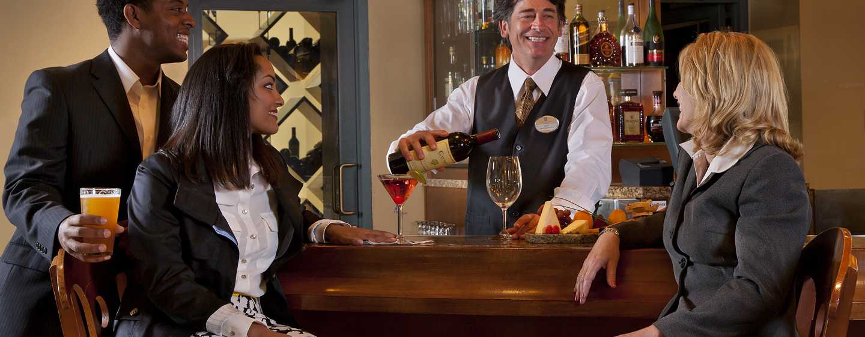Embassy Suites by Hilton Sacramento Riverfront Promenade, USA – Lobby-Bar