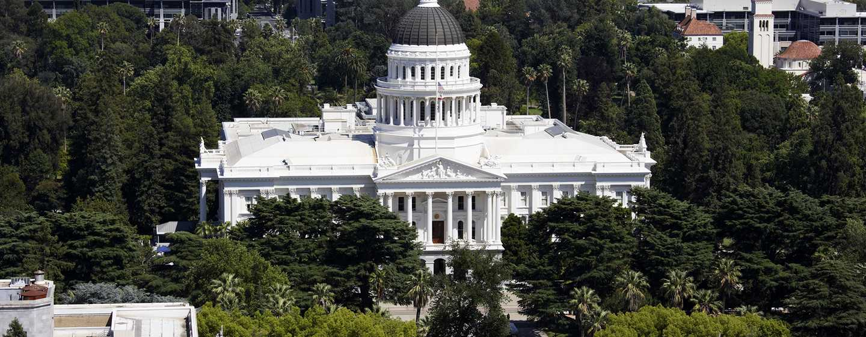 Embassy Suites by Hilton Sacramento Riverfront Promenade, USA – California State Capitol