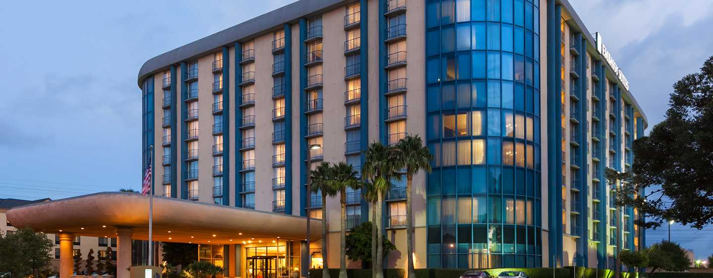 Hotel Embassy Suites by Hilton San Francisco Airport, California - Fachada del hotel