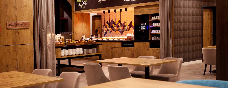 Hampton by Hilton Aachen Tivoli Hotel, Deutschland– Frühstücksbereich mit Sitzgelegenheiten
