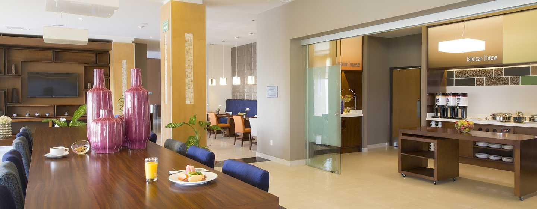 Hampton Inn & Suites by Hilton Paraiso, México - Área de desayuno