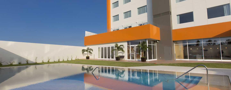 Hampton Inn & Suites by Hilton Paraiso, México - Piscina al aire libre
