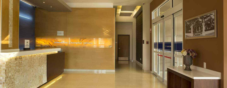 Hampton Inn & Suites by Hilton Paraiso, México - Check-in en la recepción