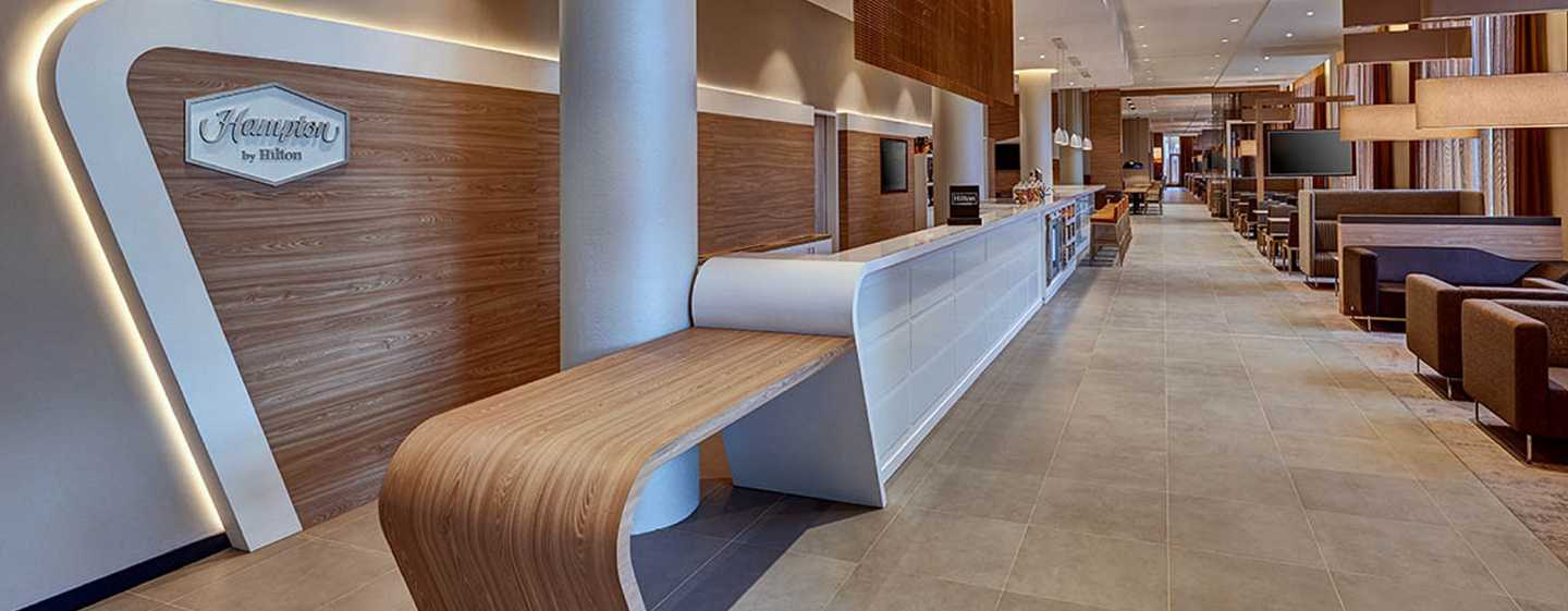 Hampton by Hilton Berlin City Centre Alexanderplatz Hotel, Deutschland – Hotel-Lobby