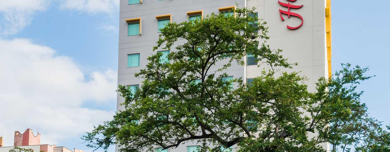 Hotel Hampton by Hilton Bucaramanga, Colombia - Fachada del hotel