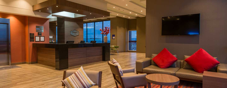 Hampton by Hilton Bogotá Airport, Colombia - Lobby del hotel