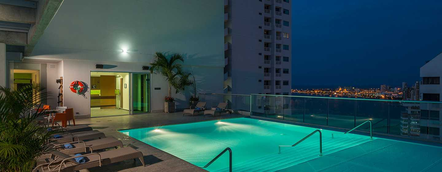 Hampton by Hilton Cartagena, Colombia - Piscina