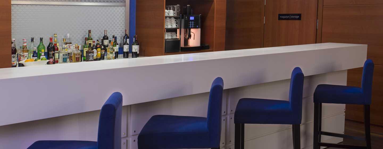 Hotel Hampton by Hilton Gdańsk Airport, Polska – Bar