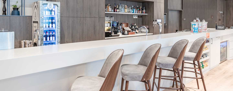 Hotel Hampton by Hilton Oświęcim, Polska ‒ Bar hotelowy