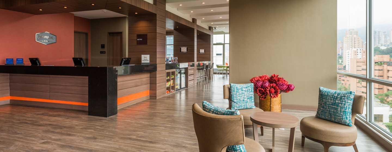 Hampton by Hilton Lima San Isidro, Perú - Recepción y lobby