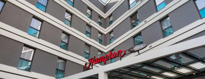 Hampton by Hilton Lublin, Polska – Wejście do hotelu