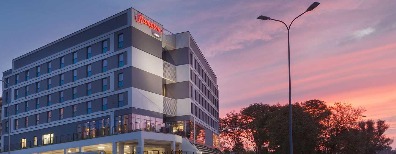 Hampton by Hilton Lublin, Polska – Hotel widok wieczorny