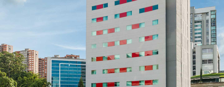 Hotel Hampton by Hilton Medellín, Colombia - Fachada del hotel