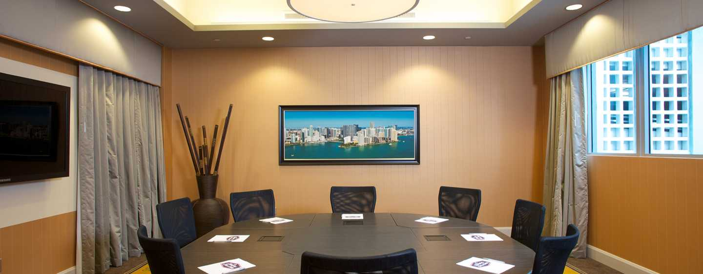 Hampton Inn & Suites Miami/Brickell-Downtown Hotel, FL – Bluebird Boardroom