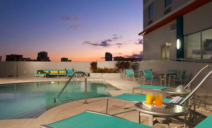 Hotel Hampton Inn & Suites Miami/Brickell-Downtown, Flórida – Piscina ao ar livre