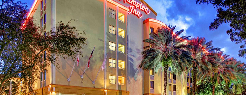 Hampton Inn Miami-Coconut Grove/Coral Gables hotel, Coconut Grove, Florida, EUA - Exterior do hotel