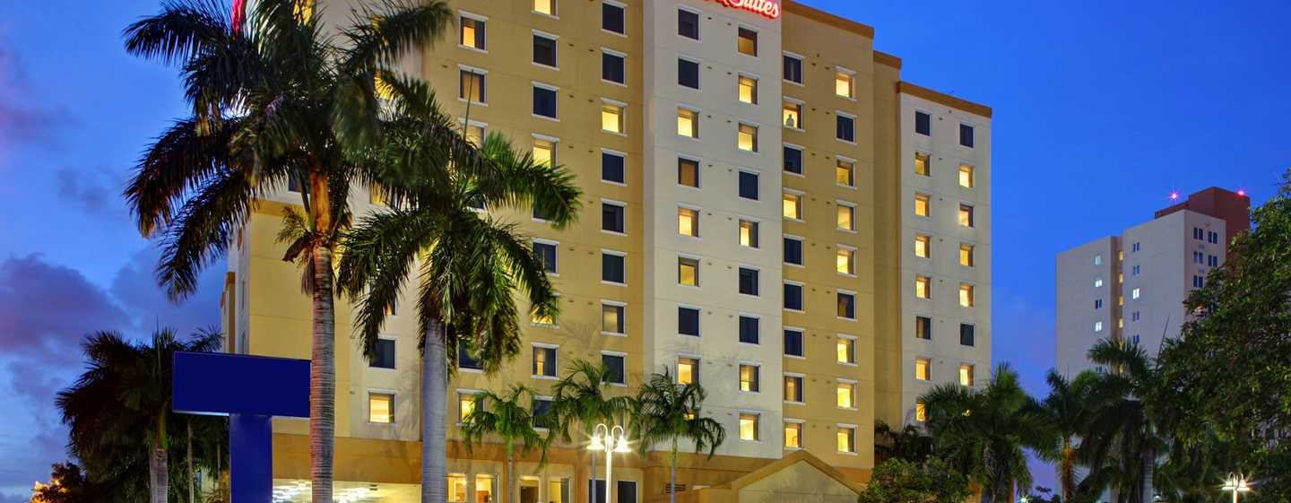 Hotel Hampton Inn & Suites Miami-Airport South-Blue Lagoon, Florida - Exterior do hotel