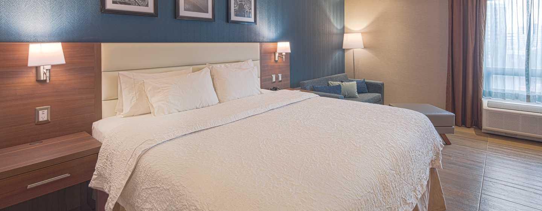 Hampton Inn by Hilton Monterrey/Galerías-Obispado, México - Dormitorio con cama King