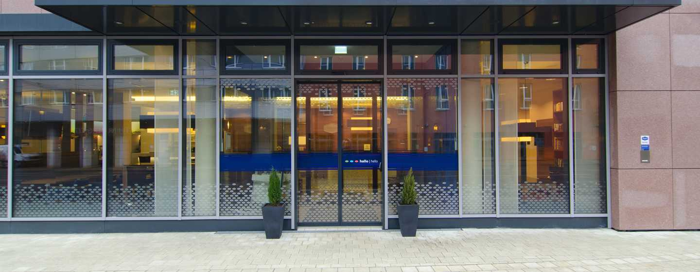 Hampton by Hilton Nuremberg City Centre Hotel – Hoteleingang