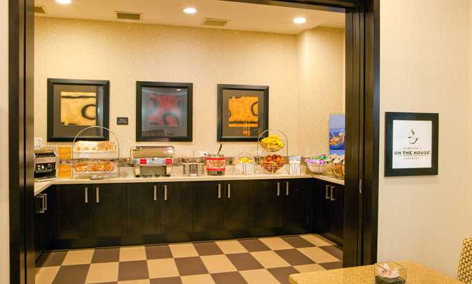 Hampton Inn Manhattan-35th St/Empire State Bldg, USA - Breakfast area