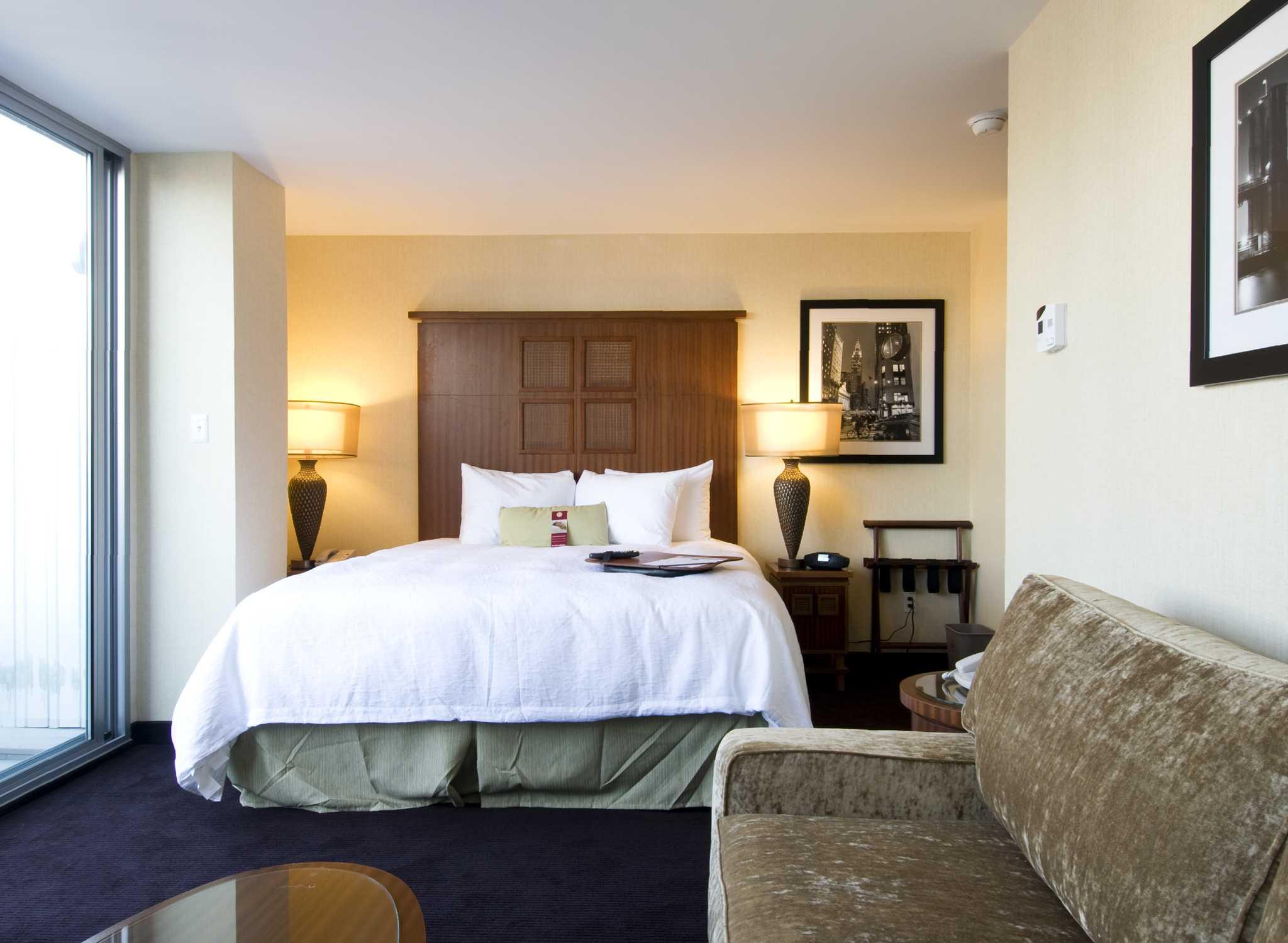 hotel hampton inn manhattan soho new york. Black Bedroom Furniture Sets. Home Design Ideas