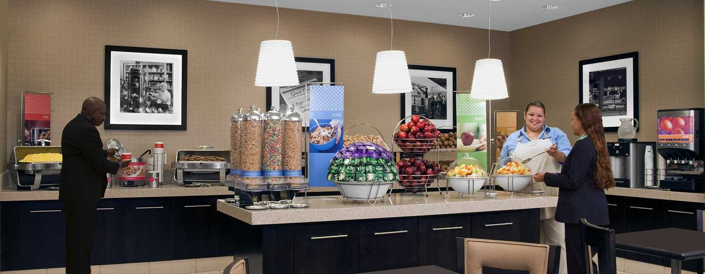 Hotel Hampton Inn Manhattan-Times Square North, Nova York, EUA – Área de café da manhã