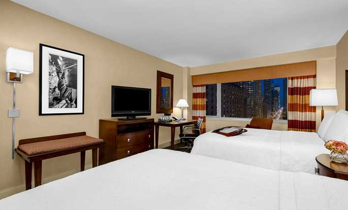 Hotel Hampton Inn Manhattan-Times Square North, Nova York, EUA – Quarto com duas camas queen-size