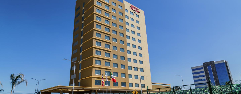 Hotel Hampton Inn & Suites by Hilton Puebla, México - Fachada del hotel
