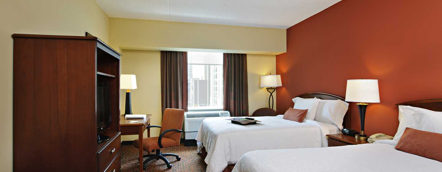 hampton inn philadelphia center city convention center. Black Bedroom Furniture Sets. Home Design Ideas