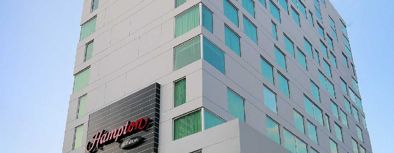 Hampton by Hilton Panama - Fachada del hotel