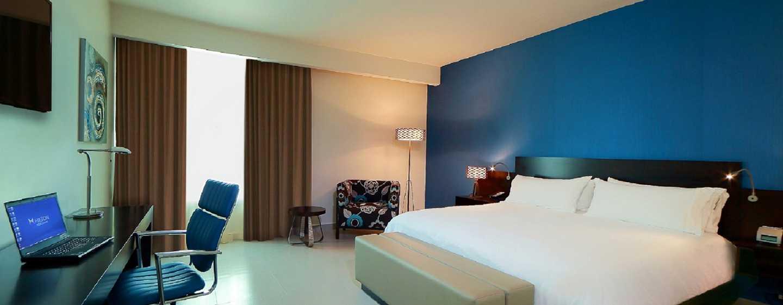 Hotel Hampton by Hilton Panama - Habitación con cama King