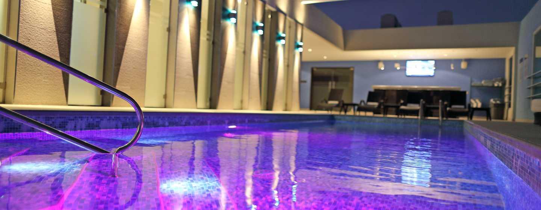 Hotel Hampton by Hilton Panama - Piscina