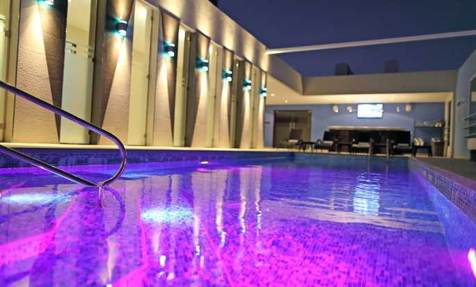 Hampton by Hilton Panama - Piscina