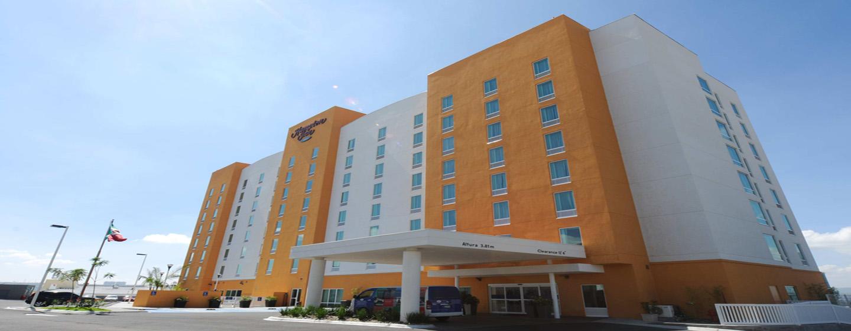 Hampton Inn by Hilton Querétaro Tecnológico, México - Fachada del hotel