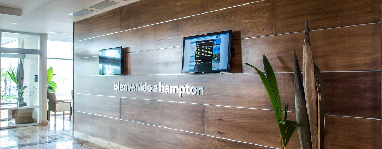 Hotel Hampton by Hilton Santo Domingo Airport, República Dominicana - Entrada del lobby