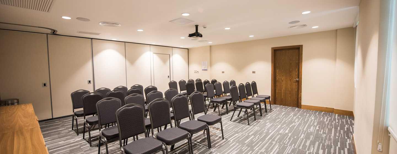 Hotel Hampton by Hilton Santo Domingo Airport, República Dominicana - Salón Piantini con montaje tipo teatro (sala de reuniones)