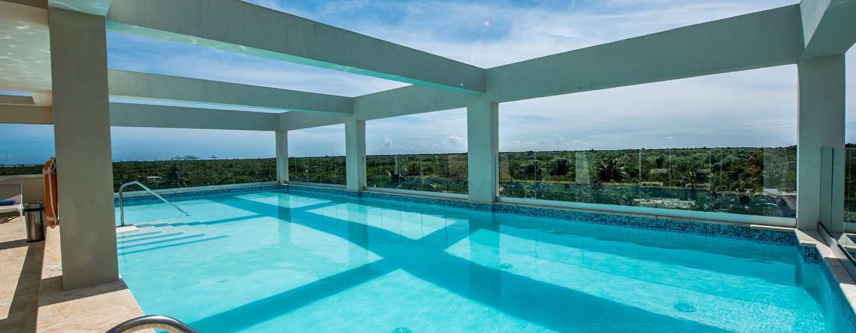 Hotel Hampton by Hilton Santo Domingo Airport, República Dominicana - Piscina al aire libre