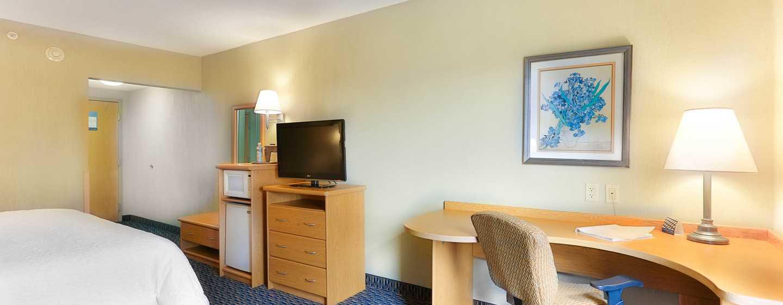 Hotel Hampton Inn & Suites by Hilton San Jose-Airport, Costa Rica - Dormitorio con cama King