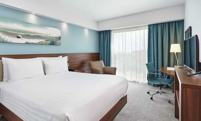 Hôtel Hampton by Hilton Toulouse Airport, France - Chambre avec grand lit