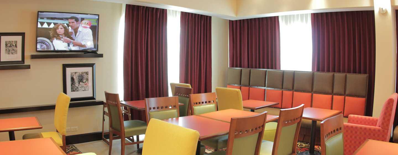 Hotel Hampton Inn by Hilton Torreon-Airport Galerias, Coahuila, México - Sala de estar del restaurante
