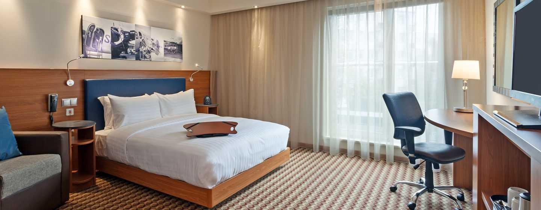 Hotel Hampton by Hilton Warsaw Airport, Polska — Pokój dla gości