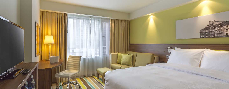 Hampton by Hilton Warsaw City Centre, Polska – standardowy pokój Queen zrozkładaną sofą