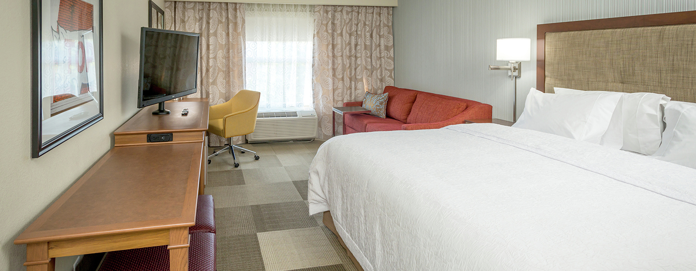 Chambre avec canapé