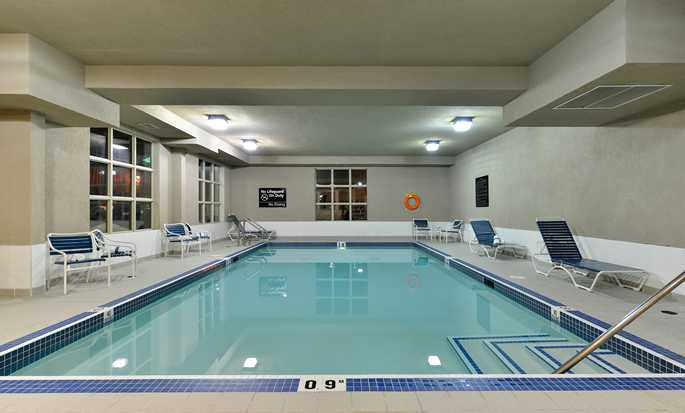 Hampton Inn & Suites by Hilton Edmonton International Airport, Alberta, Canada - Piscine