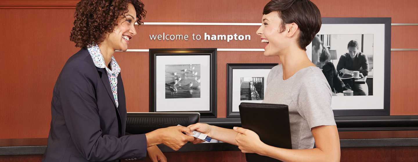 Hôtel Hampton Inn and Suites by Hilton Beauport Quebec - Réception