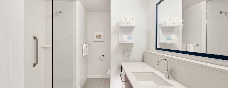 Hôtel Hampton Inn & Suites by Hilton Quebec City/Saint-Romuald - Salle de bains d'une chambre